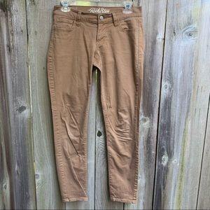 Old Navy Mid Rise Rockstar Khaki Jeans Size 6